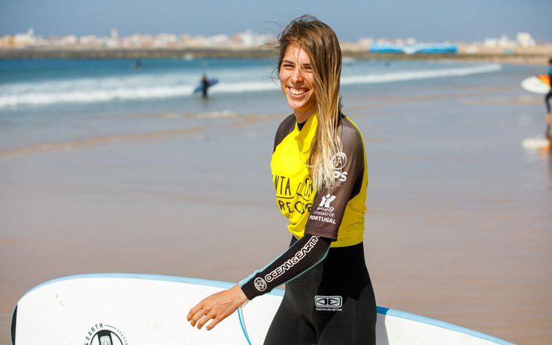 imparare surfare divertimento surfcamp