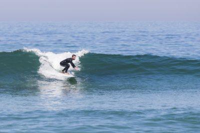 sufare onde verdi portogallo surfisti intermedi