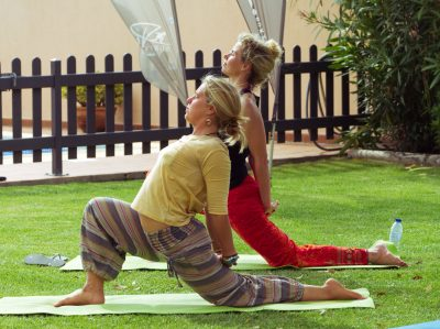 corsi yoga surf house portogallo