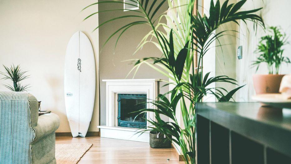soggiorno caminetto surf house